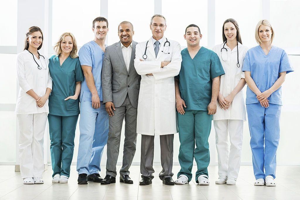 Os profissionais que trabalham na clínica