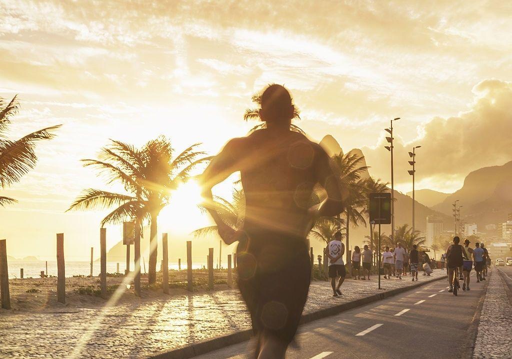 Faça exercícios físicos